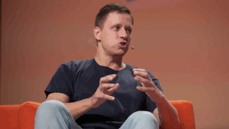 Peter Thiel - 'Bitcoin es libertario, IA es comunista' vt